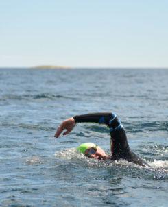 Simning i öppet vatten.